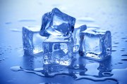 Blue-tips-cubes-with-ice-cubes